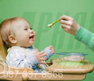 Những mẹo nhỏ đối phó với bé lười ăn 1