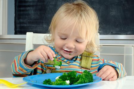 Chế độ ăn uống cho trẻ bị táo bón 1