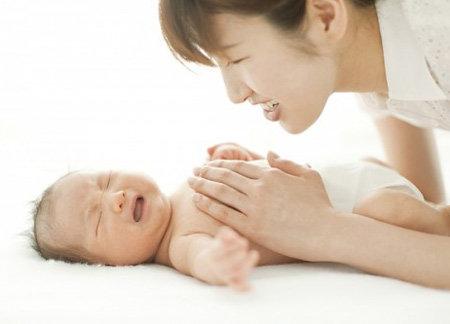 Cách xử lý khi trẻ bị ho, nghẹt mũi 1