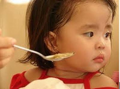 Trẻ lười ăn nguyên nhân do đâu? 1