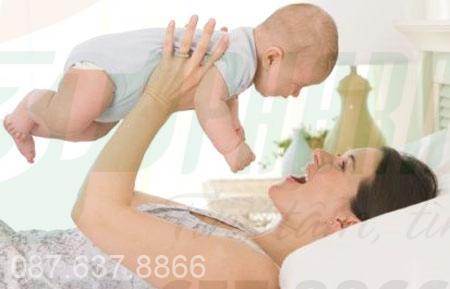 Nhận biết và cách khắc phục táo bón ở trẻ sơ sinh
