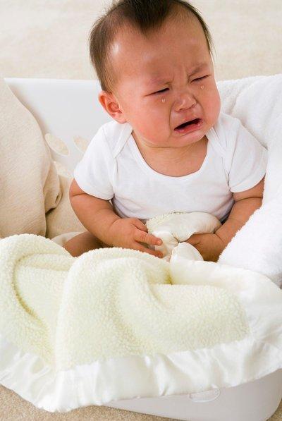 Triệu chứng và cách trị táo bón cho trẻ
