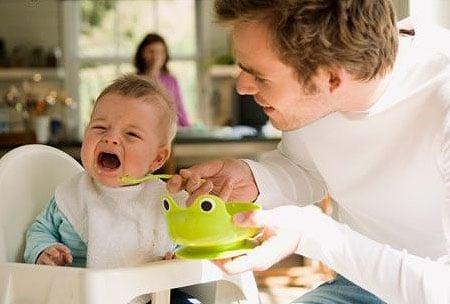 Làm thế nào khi trẻ chán ăn?