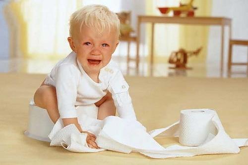 Bệnh táo bón ở trẻ em – Điều trị sớm tránh gây biến chứng