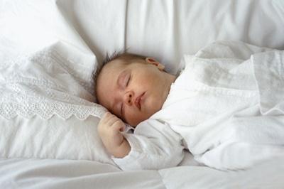Trẻ đái dầm – Nguyên nhân và giải pháp