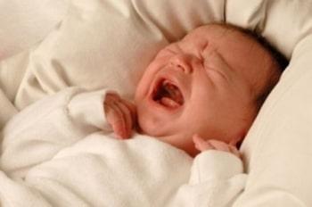 Hỏi đáp về chứng hay khóc đêm ở trẻ?