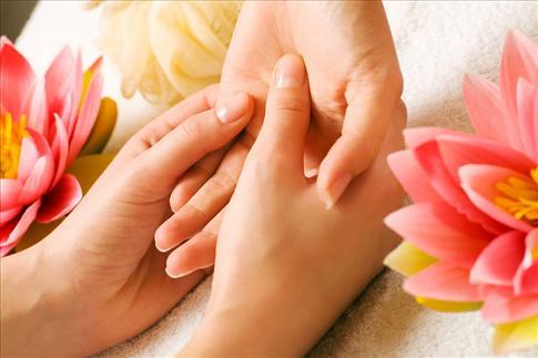Một số mẹo nhỏ chữa mồ hôi chân tay