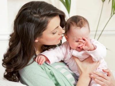 Ngủ hay giật mình ở trẻ 15 tháng tuổi