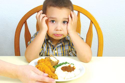 Trẻ 2, 3 tuổi biếng ăn và thực đơn dinh dưỡng hợp lý