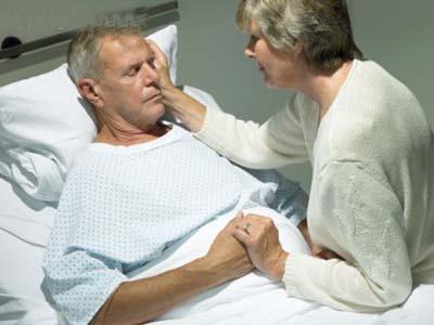 Tiểu tiện không tự chủ ở người già