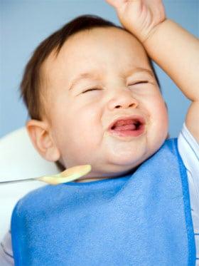 Chăm sóc thế nào cho trẻ biếng ăn ở lứa tuổi chập chững biết đi?