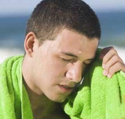 Làm thế nào để khắc phục chứng đổ mồ hôi ngày nóng?