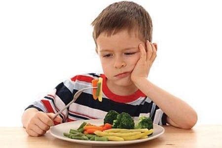 Làm gì khi bé chán ăn?
