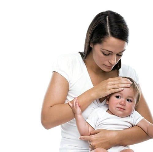 Trẻ đi ngoài ra máu nguyên nhân và triệu chứng bệnh gì?