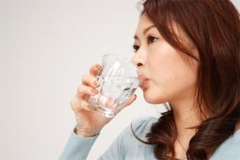 Đi tiểu liên tục nên ăn uống thế nào?